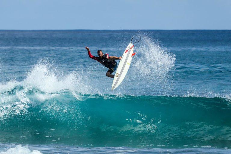 Read more about the article Aprenda a surfar no Rio de Janeiro