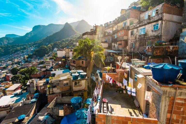 Read more about the article Curiosidades sobre a comunidade da Rocinha no RJ